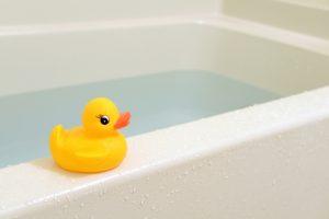 お風呂と蒸しタオル - 疲れ目